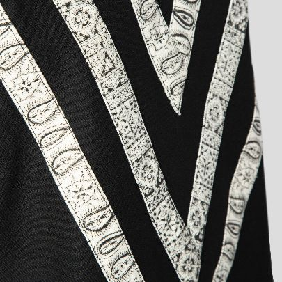 Picture of Black & white bazm top