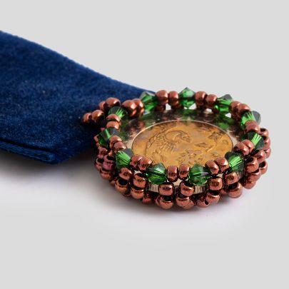 تصویر  مدال سیمرغ مخمل سرمه ای