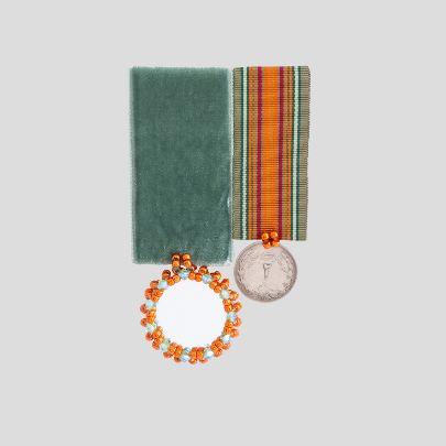 تصویر مدال دوقلوی آینه
