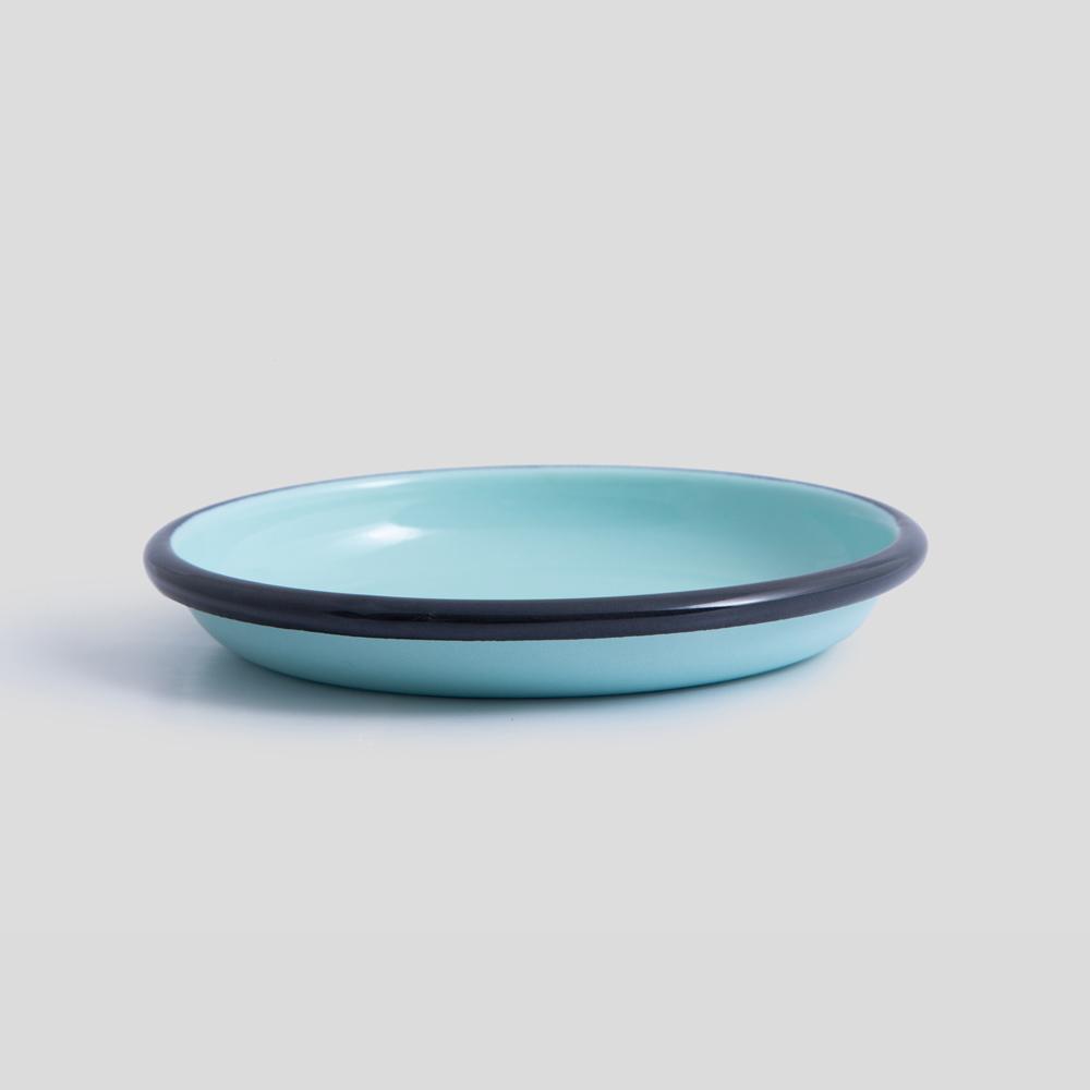 تصویر بشقاب آبی فیروزهای دور مشکی